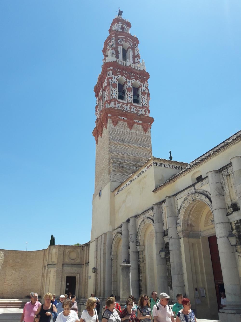 Patio de la iglesia de San Juan